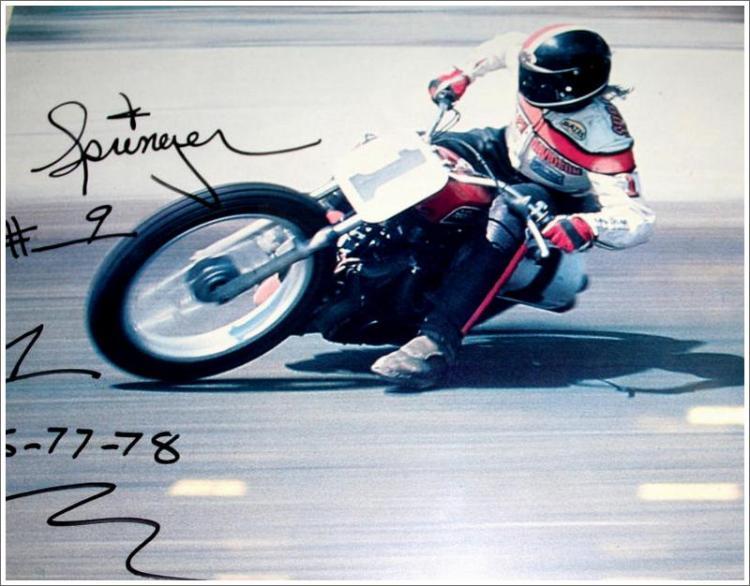 Harley-Davidson_1977_XR750_racing